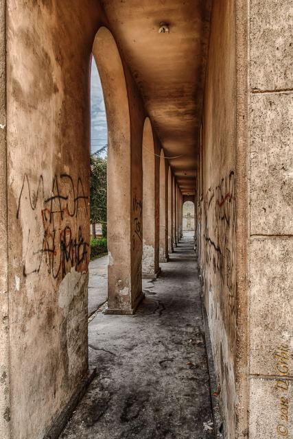 Jedna na dan, 7. oktobar 2012: prolaz pod stubovima