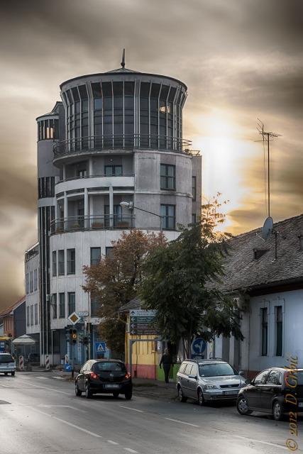 Jedna na dan, 26. oktobar 2012: Rotonda u suton
