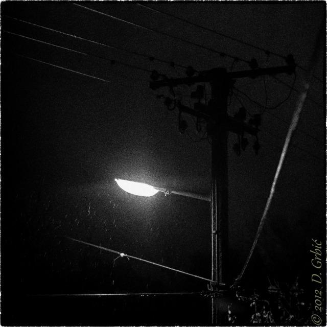 Jedna na dan, 28. oktobar 2012: Kiša pod uličnom svetiljkom