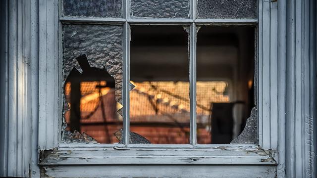Jedna na dan (3-113), 21. oktobar 2013: Razbijeni prozori i raspukle duše