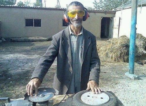 House Party: DJ Didžej Bidžej pušta ploče (azbestne, betonske, mermerne...)