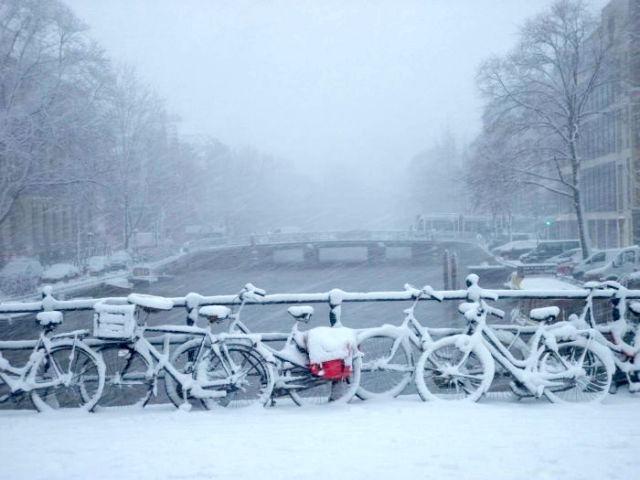 Uostalom, nemate vi pojma o strahotama zime! Da samo znate kako je bilo u Amsterdamu!