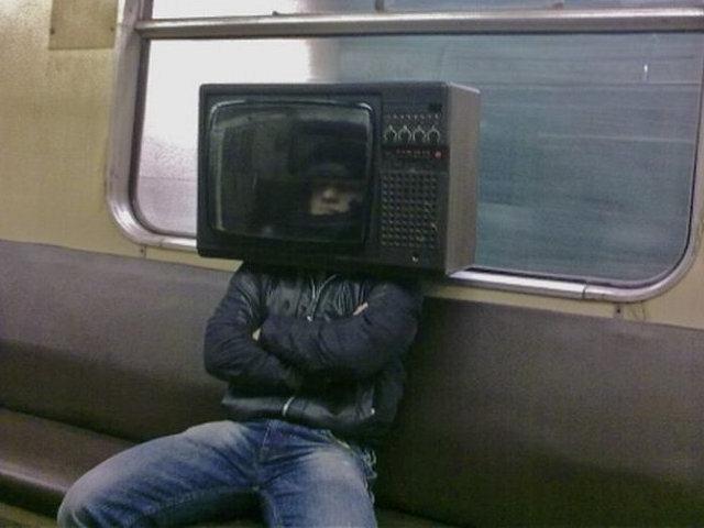 San svake domaćice: da ugradi TV tjuner u glavu i da prati program intracefalno.
