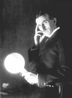 Tesla kao fotomodel. Ova, i ostale fotomontaže ovog tipa, od kojih su neke date u tekstu, pomažu popularizaciji nauke, ali ne i samoj nauci