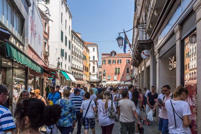 Turisti u Veneciji